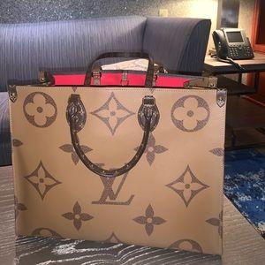Louis Vuitton Authentic On the go